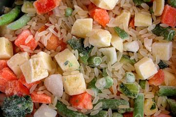 mix di verdure surgelate con riso per minestrone