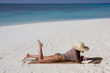 Donna alle Maldive