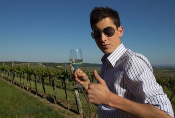 Der Wein mit jungem Winzer