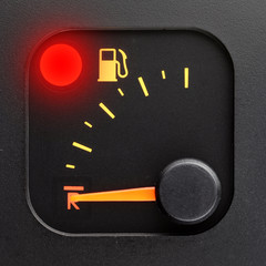 Red light - empty tank pointer