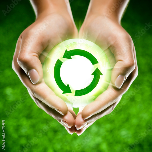 mains écologie recyclage