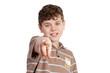 schüler zeigt bestimmt mit dem finger