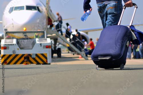 canvas print picture Flugreise in den Urlaub