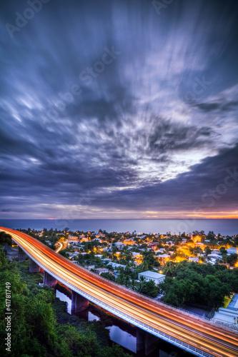 Ville de Saint-Paul au crépuscule - La Réunion