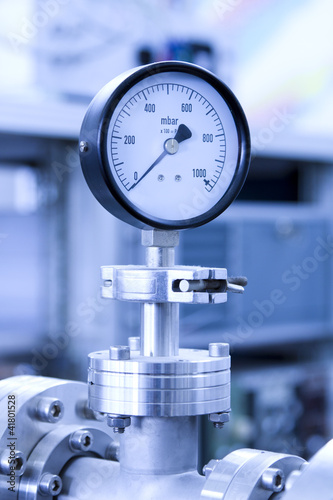 In de dag Tunnel Manometer precise instrument in laboratory