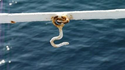 classico gancio per sagolino-sul traghetto!!