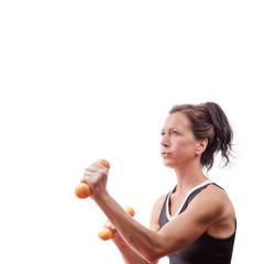 Fitnessfrau mit Hanteln