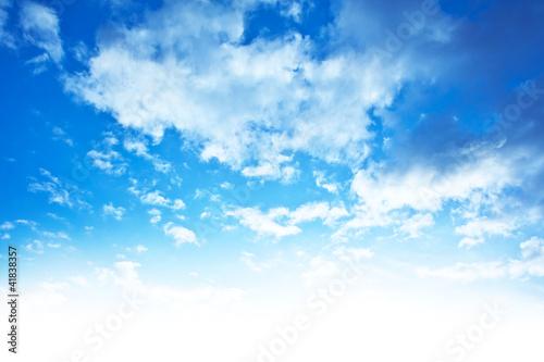 niebieskie-niebo-tla-granicy