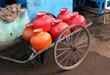 Wasserbehälter auf Handkarren / Goa, Südindien
