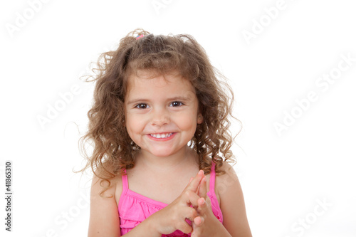 child counting with fingers