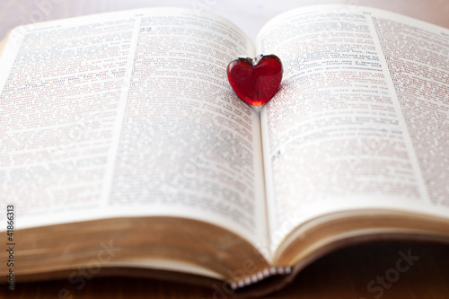 heart on a bible, love for god's word