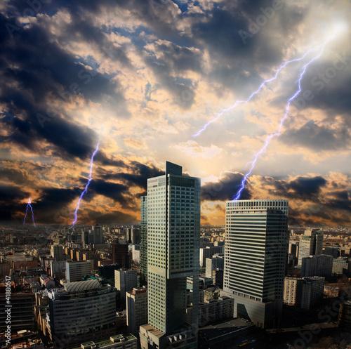 burza-apokaliptyczna-w-miescie-w-warszawie