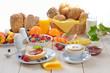 Leinwanddruck Bild - Gedeckter Frühstückstisch