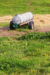 Tränke auf einem Feld