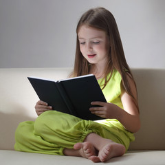 beauty girl read book
