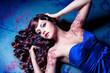 Beauty mit glänzender Lockenmähne / haircolors-01