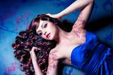 Fototapety Beauty mit glänzender Lockenmähne / haircolors-01