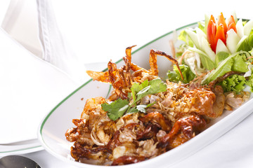 Deep fried soft shell crab with pepper and garlic