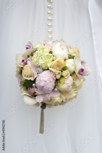 spherical wedding bouquet