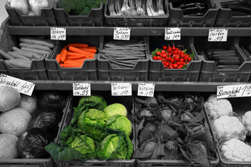 Gemüse bunt und schwarzweiss