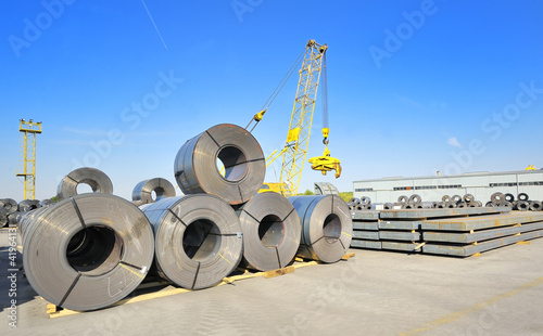 roll steel in harbor