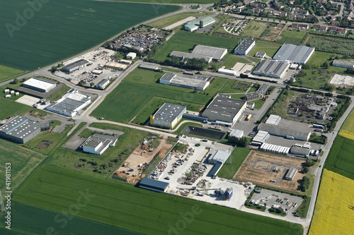 Zone industrielle de Nogent le Roi 28