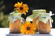 Selbstgemachte Gelees mit Blumen