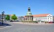 die Wasserkunst und das Rathaus am Marktplatz in Wismar