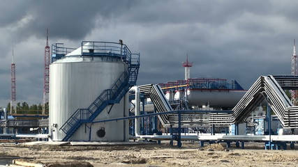 Plant for processing of associated oil gas.