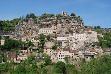 Vista panorámica de Rocamadour, pueblo encaramado en un acantila