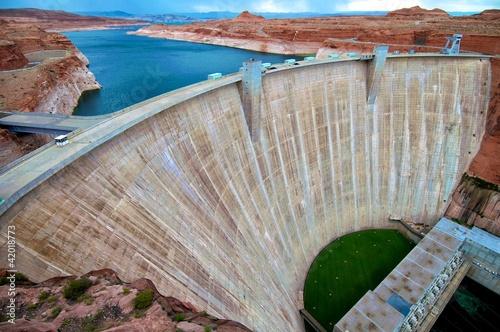 Glen Canyon Dam on Lake Powell - 42018773