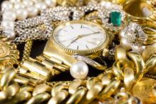Bijoux, or, colliers, bagues, bracelets, montres, de la richesse