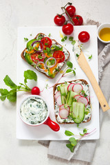 Wholemeal sandwiches with vegetables