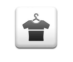 Boton cuadrado blanco camiseta