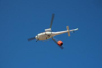 elicottero per spegnimento piccoli incendi 2