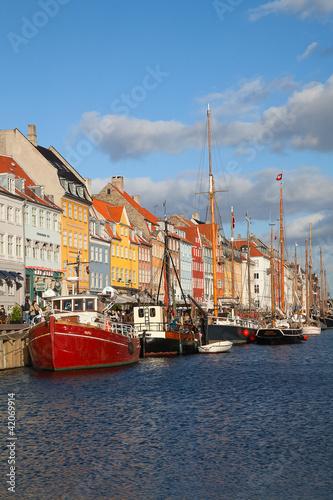 Foto op Aluminium Scandinavië Copenhagen (Nyhavn district) in a sunny summer day