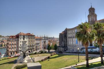 Palácio da Bolsa & Infante D. Henrique Statue, Porto, Portugal.