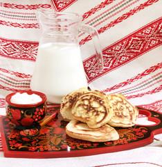 оладья со сметаной и молоком