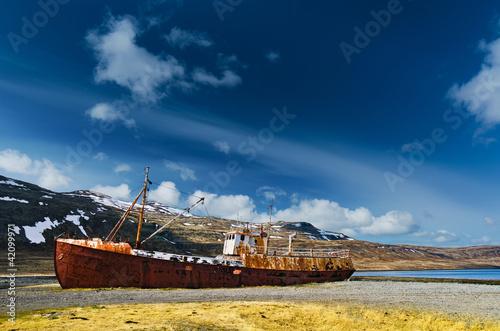 The wreck of the Garður near Patreksfjörður