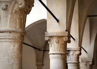 Colonna - chiostro