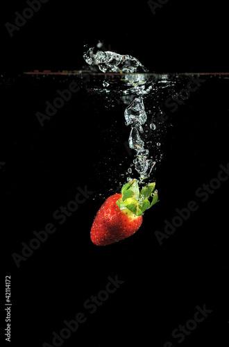 Fototapeten,erdbeere,rot,obst,platsch