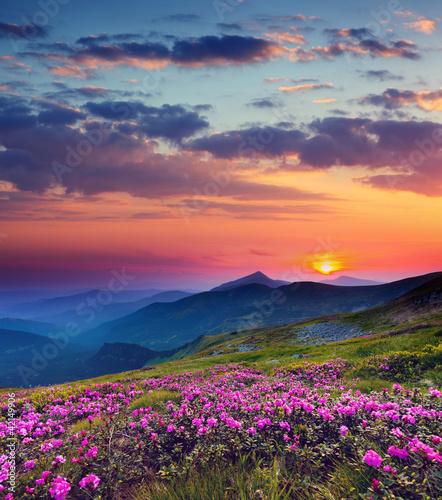 krajobraz-gorski-z-zachodem-slonca