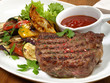 Grillsteak mit Gemüse und BBQ Sauce