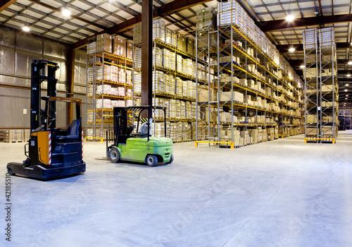 Fotobehang Industrial geb. Large warehouse