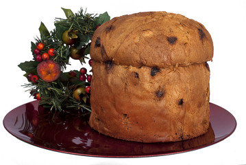 Panettone weihnachtlich angerichtet