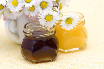 honey and daisies