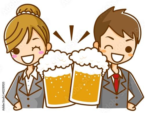 ビールで乾杯 男女