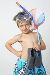 kind geht schwimmen