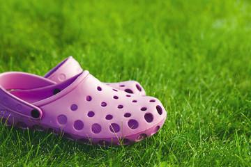 flip-flops on the lawn