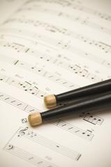楽譜とスティック
